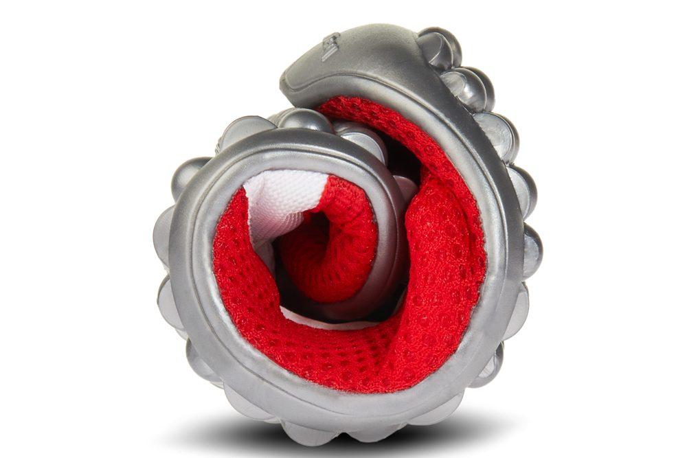 Leguano Sneakers in rot zusammengerollt